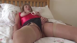 Sex-addicted MILF hd solo action in the bed