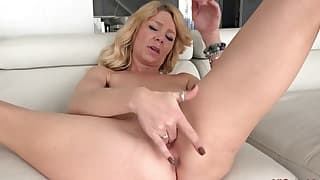 Soloing my friend hot mom hd solo session