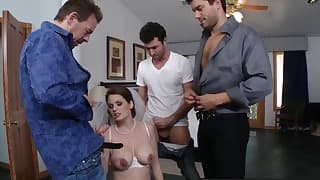 Sweet brazzers lady shows her oral skills